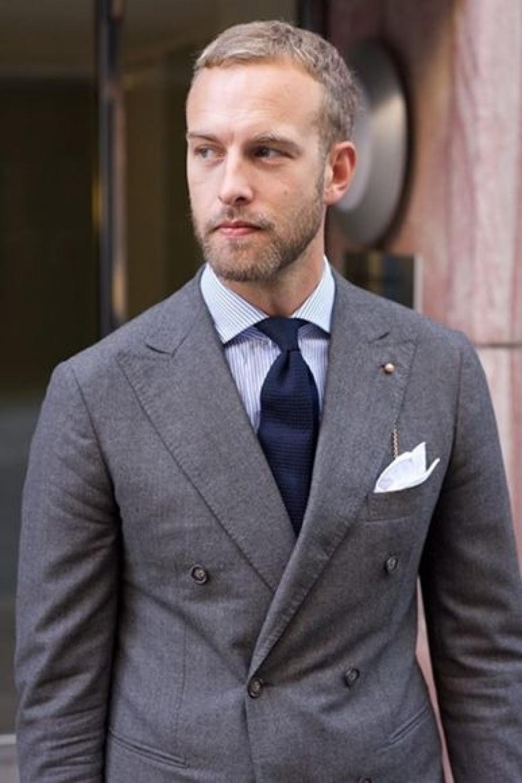 SIMONNOT-GODARD - Créateurs français de mouchoir en tissu, batistes de coton et linons de luxe.